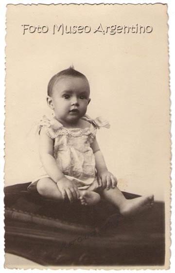 José María Moreno bebe, hermano de María Luisa Moreno