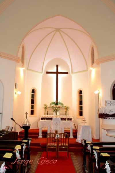 altar de Iglesia Evangélica del Río de la Plata, en la ciudad de Crespo, Entre Ríos.
