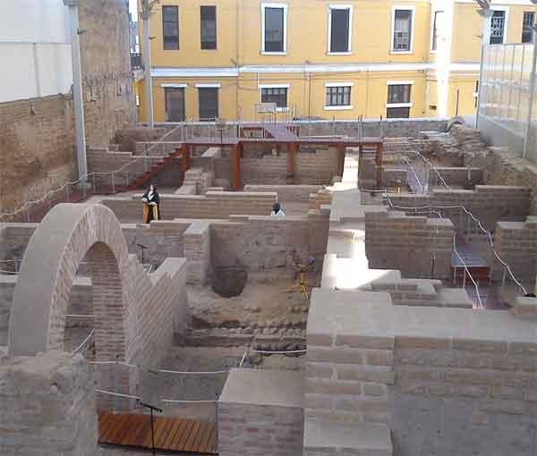 MUSEO BODEGA Y QUADRA- Restos de viviendas virreinales